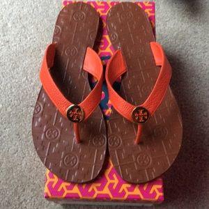 NIB Tory Burch Thora Orange Samba Tumbled Sandals